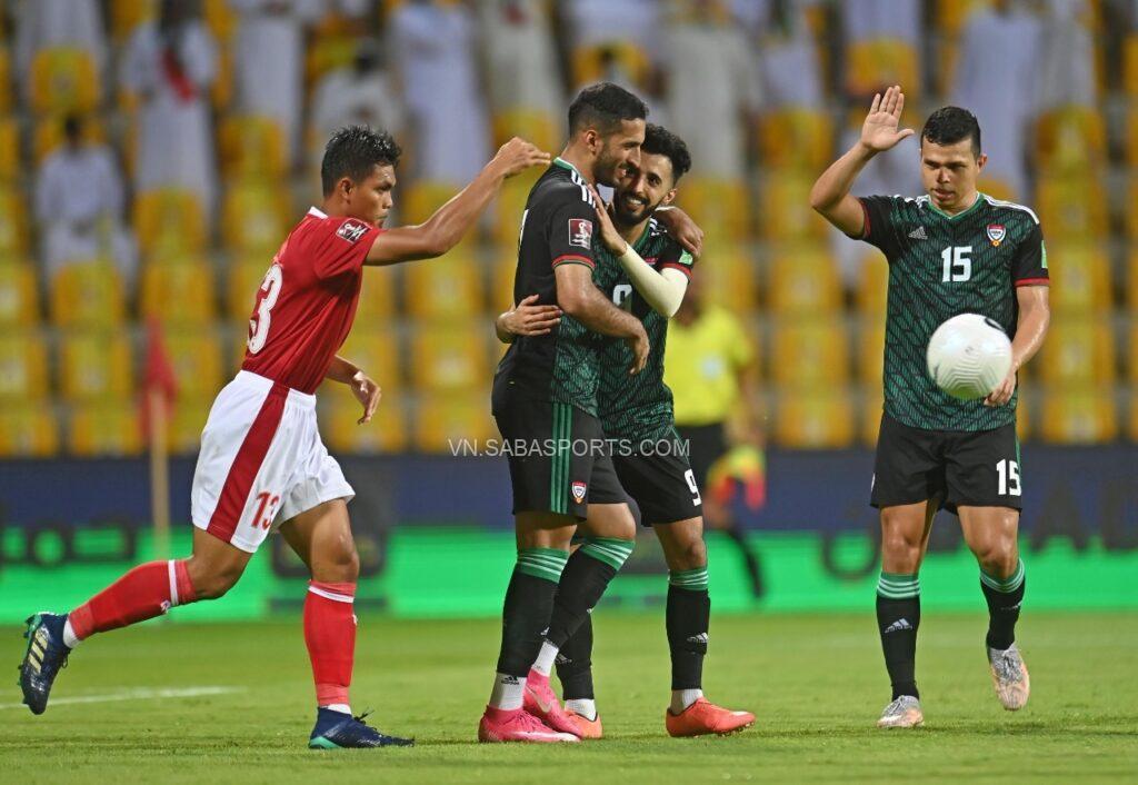 Lực lượng quá chênh lệch, UAE dễ dàng áp đặt thế trận với Indonesia.