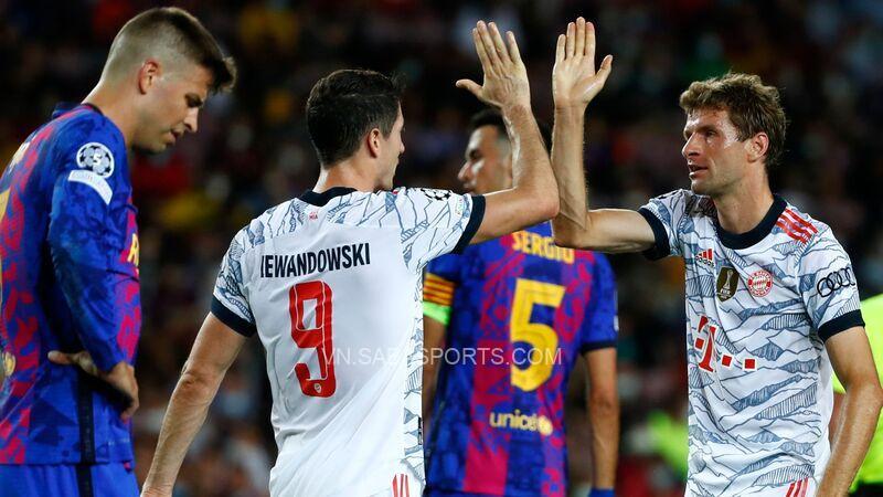 Bayern Munich đã có khởi đầu thuận lợi với chiến thắng 3-0 trước Barcelona