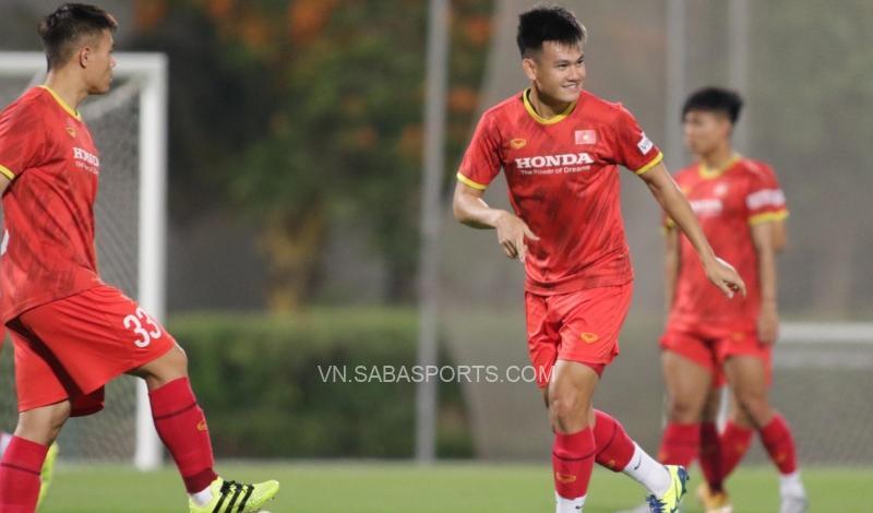 Hồ Tấn Tài rất ăn ý với các đồng đội dù ít được thi đấu