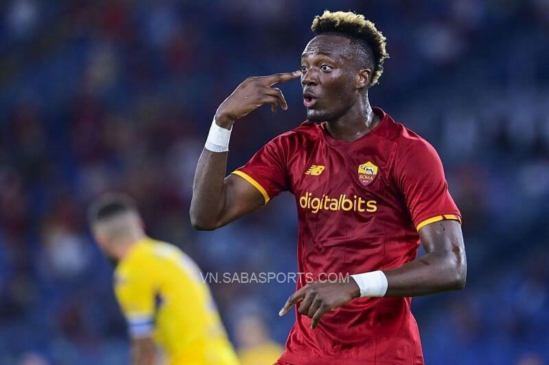 Abraham gây ấn tượng tại AS Roma. (Ảnh: Sportskeeda)