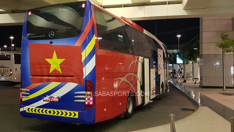 Xe buýt đưa đón ĐT Việt Nam tại Oman