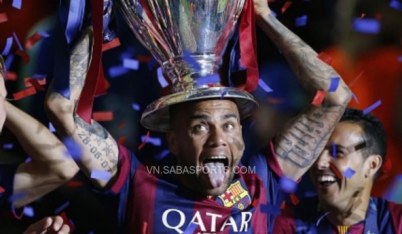 NÓNG: Barca hối hận, Dani Alves trên đường trở lại
