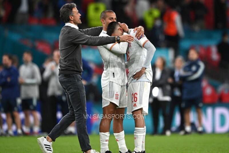 Tây Ban Nha của Enrique là đội bóng khiến Ý gặp nhiều khốn đốn nhất