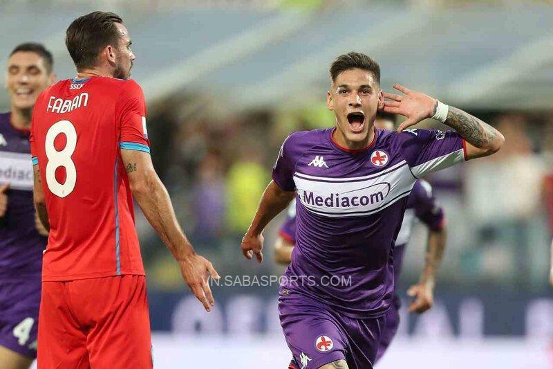 Fiorentina vươn lên sau nửa giờ thi đấu