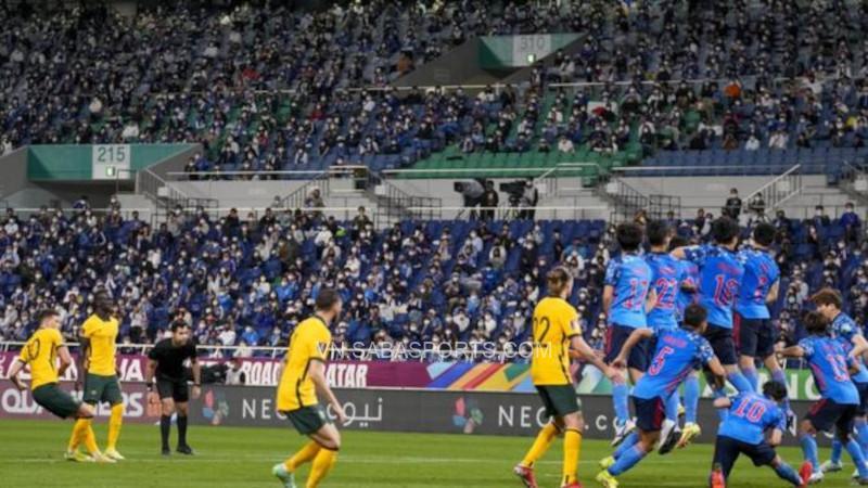 Hrustic gỡ hòa 1-1 cho ĐT Úc