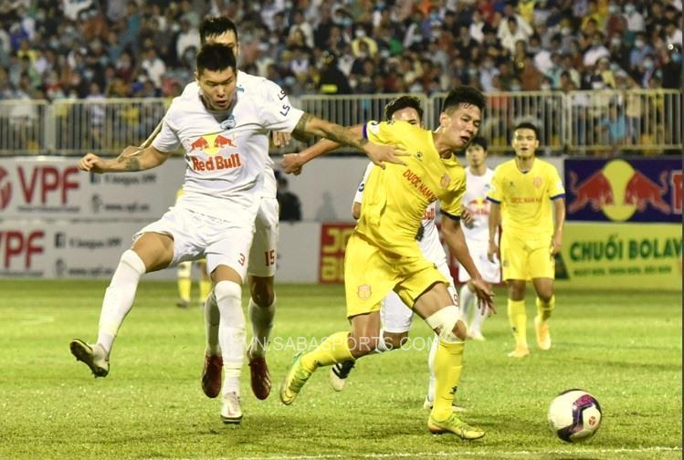 Kim Dong-su góp phần giúp HAGL có hàng thủ chắc nhất V-League 2021
