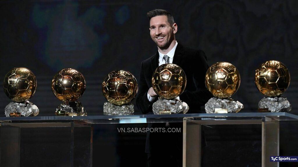 Lionel Messi đang là cầu thủ giàu thành tích nhất với 6 QBV