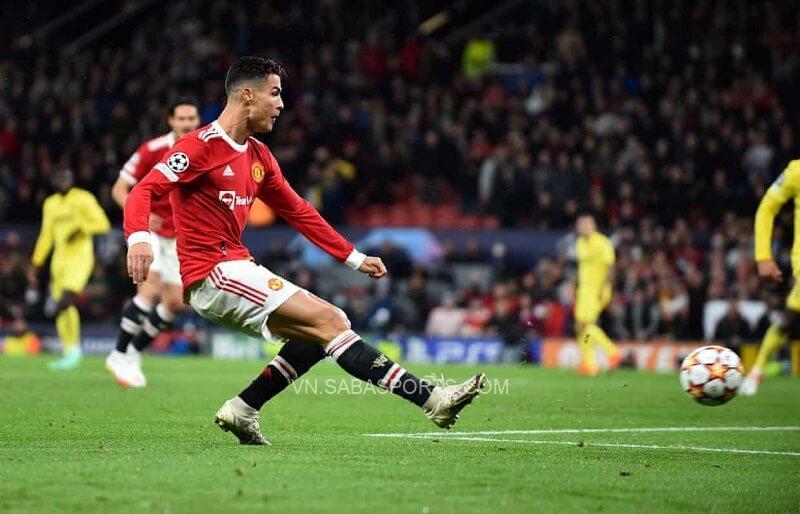 Ronaldo tỏa sáng đúng lúc. (Ảnh: Twitter)