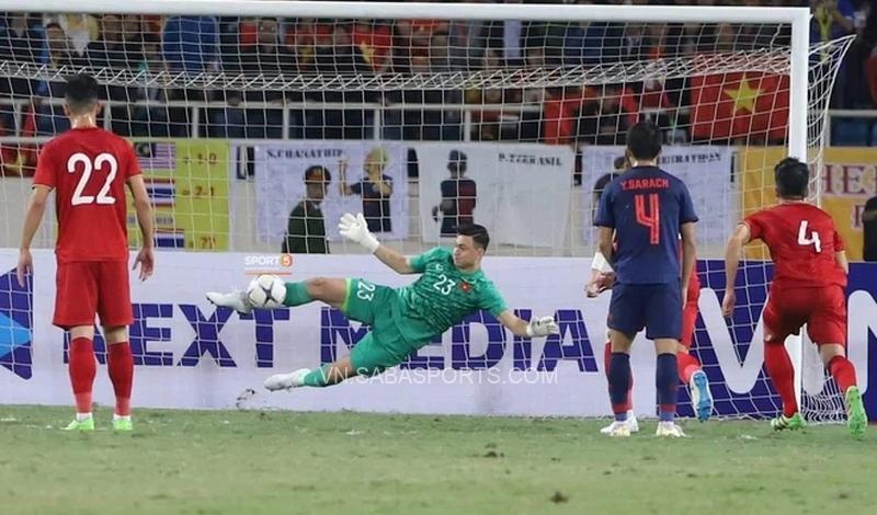 ĐT Việt Nam bị thổi nhiều phạt đền từ đầu vòng loại (Ảnh: Sport 5)