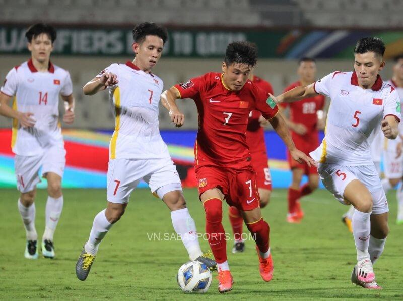 Sai lầm nơi hàng phòng ngự khiến Việt Nam nhận 3 bàn thua