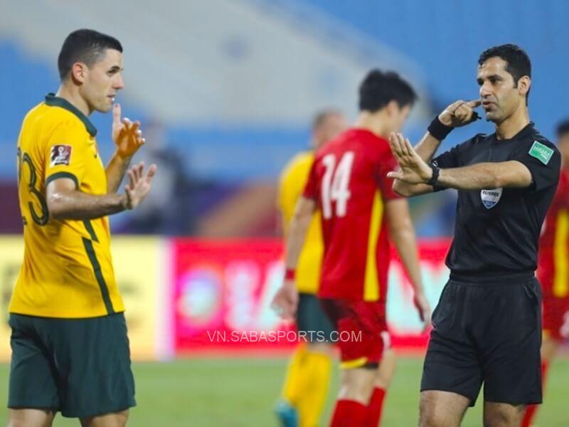 Việt Nam nhận không ít quyết định bất lợi từ trọng tài ở 2 trận qua